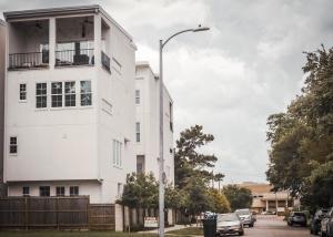 houston apartment locator